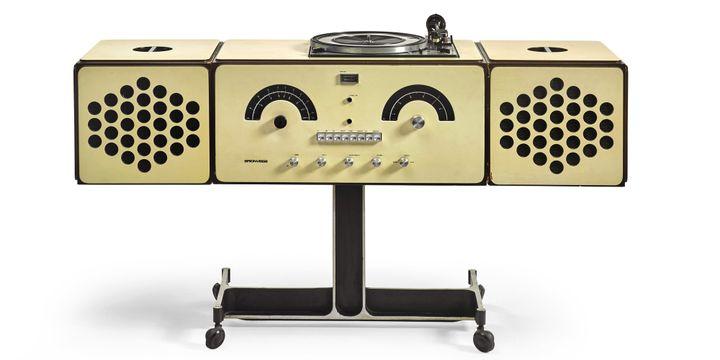 Radiophonographe signé Pier Giacomo et Achille Castiglioni - 1965 Modèle RR 126  (Sotheby's)