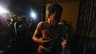 Un détenu rescapé de l'incendie de la prison de Comayagua (Honduras), le 15 février 2012. (ORLANDO SIERRA / AFP)