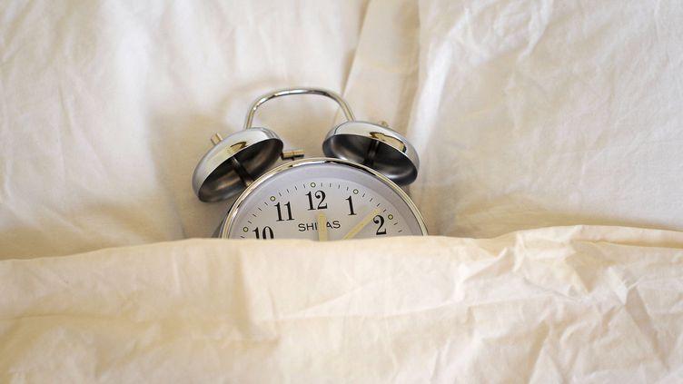 """Une étude a mis en évidence le rôle de la génétique dans le fait d'être """"du matin"""" ou """"du soir"""". (JEFF PACHOUD / AFP)"""