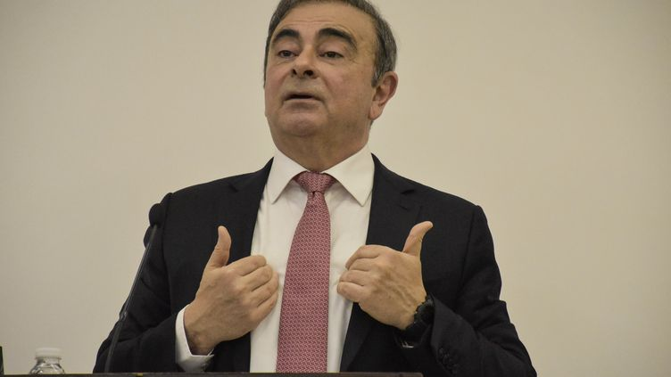 Carlos Ghosn lors de sa conférence de presse à Beyrouth au Liban, le 8 janvier 2020. (MAHMUT GELDI / ANADOLU AGENCY / AFP)