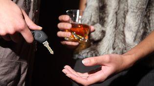 Neuf Français sur dix vont boire de l'alcool le soir du Nouvel An. (PHILIPPE TURPIN / MAXPPP)