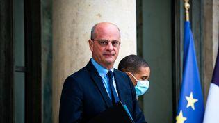 Jean Michel Blanquer à la sortie du conseil des ministres, le 28 juillet 2021 à Paris. (XOSE BOUZAS / AFP)