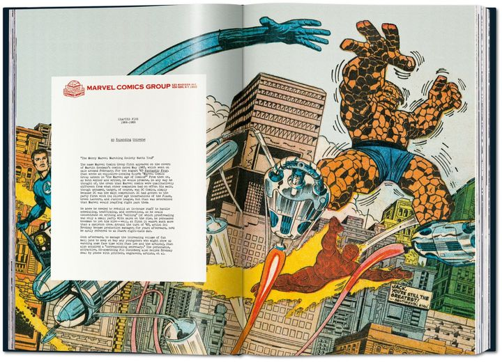 """Double page représentant """"Les 4 Fantastiques"""" de Stan Lee et Jack Kirby estraite de """"The Stan Lee Story"""" de Roy Thomas aux Editions Taschen. (Jack Kirby / Taschen)"""
