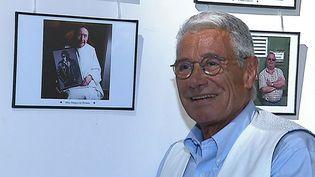 Le célèbre photographe Jean-Marie Périer rend hommage aux habitants du Rouergue en Aveyron où il est installé depuis 20 ans.  (Culturebox - capture d'écran)