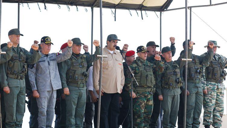 Le président en exercice du Venezuela lors d'une présentation militaire à Caracas (Venezuela) le 27 janvier 2019. (MIRAFLORES PRESS / HANDOUT / MAXPPP)