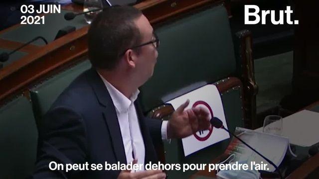 Raoul Hedebouw, député et porte-parole Parti du travail de Belgique a souligné l'incohérence des règles sanitaires du pays.