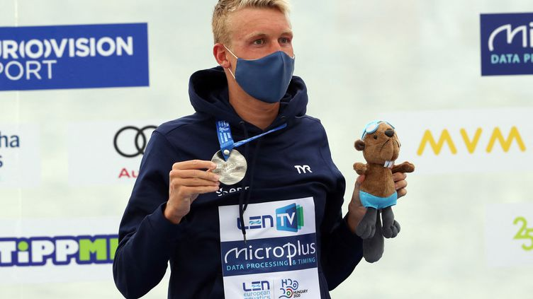 Marc-Antoine Olivier a remporté jeudi 13 mai sa deuxième médaille d'argent aux championnats d'Europe de natation. (FERENC ISZA / AFP)