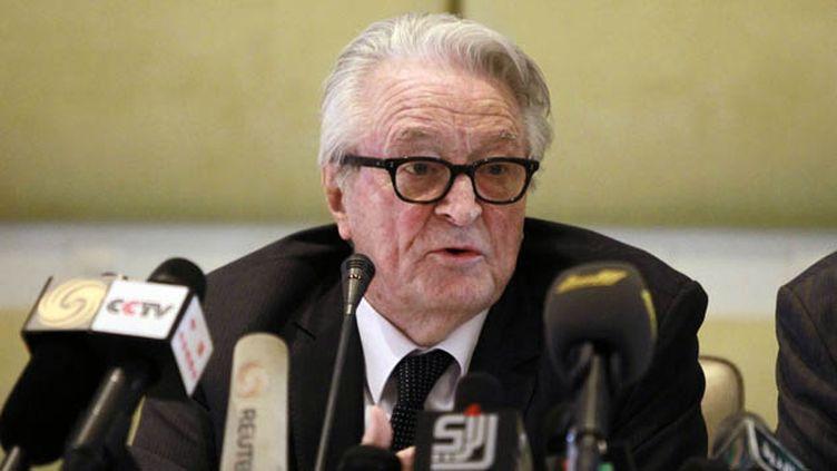 (Roland Dumas lors d'une conférence de presse en 2011 © Reuters-Louafi Larbi)