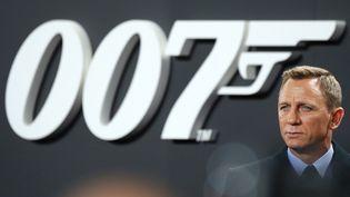 """L'acteur Daniel Craig endosse pour la dernière fois le costume de James Bond dans """"Mourir peut attendre"""". (JOERG CARSTENSEN / DPA)"""