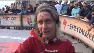 À 37 ans, Cécile Ravanel est championne de VTT et en bonne voie pour décrocher un troisième titre mondial. (FRANCEINFO)