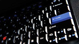 Un clavier d'ordinateur, en juillet 2012. (GREG WOOD / AFP)