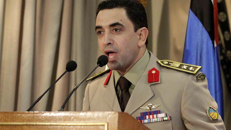 """Lecolonel Ahmad Mohammed Ali, porte-parole de l'armée, annonce la mort de 32 """"criminels"""" dans le Sinaï, le 8 septembre 2012. (AFP)"""