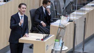 Sebastian Kurz, le jeune chancelier autrichien contraint à la démission, le 9 octobre dernier, ici en session au Parlement autrichien le 14 octobre 2021. (CHRISTIAN BRUNA / EPA / MAXPPP)