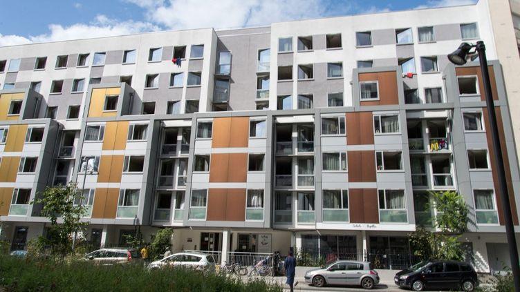 Un immeuble parisien, photographié en juillet 2019. (RICCARDO MILANI / HANS LUCAS / AFP)