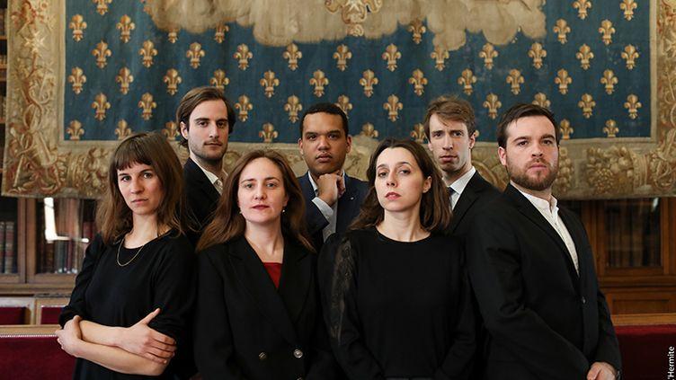 """La compagnie """"Royal Velours"""" présente """"Je m'en vais mais l'État demeure"""" sur la scène du Off au Festival d'Avignon 2018. (Copilote)"""