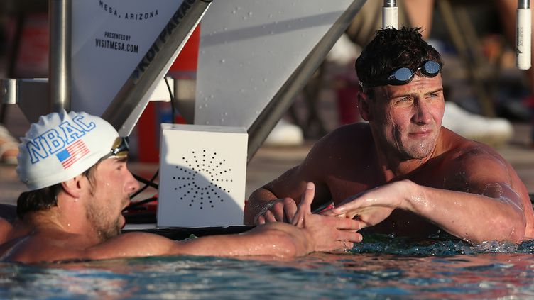 Michael Phelps félicite Ryan Lochte (CHRISTIAN PETERSEN / GETTY IMAGES NORTH AMERICA)
