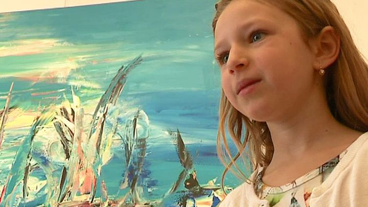 A 8 ans, l'artisteGiulia Pintea présente sa première exposition de peintures  (France 3)