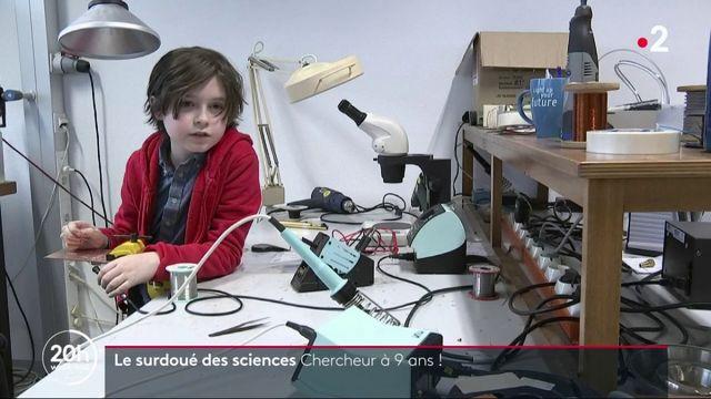 Sciences : un enfant surdoué bientôt diplômé universitaire... à 9 ans