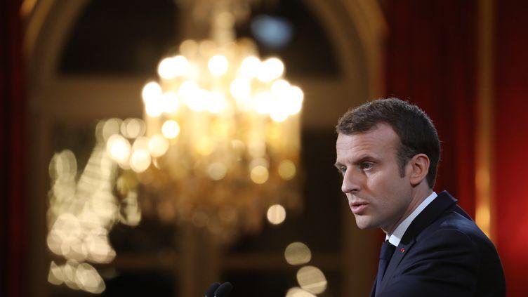Le président Emmanuel Macron lors de ses vœux à la presse à l'Elysée, le 3 janvier 2018. (LUDOVIC MARIN / AFP)