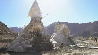Glaciers artificiels en Inde, dans l'Himalaya. (FRANCE 2)