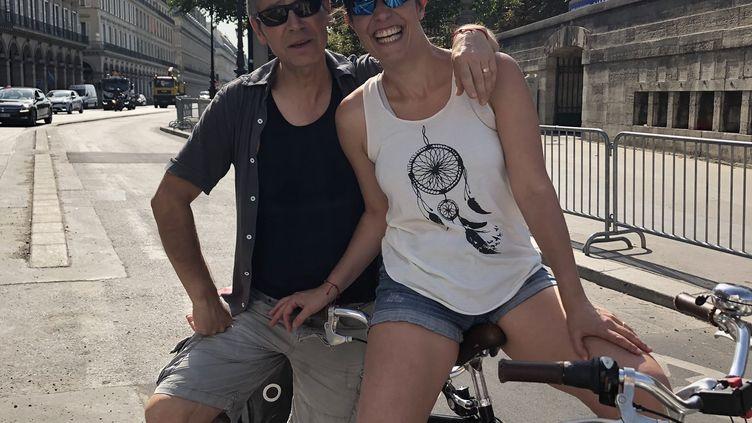 Gérard et Marie, rue de Rivoli à Paris, le 25 juillet 2019. (JULIETTE CAMPION / FRANCEINFO)