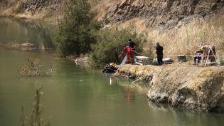 Les recherches se concentrent sur le village deXyliantos (Chypre), vendredi 26 avril 2019. (IAKOVOS HATZISTAVROU / AFP)