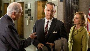 "Alan Alda, Tom Hanks et Amy Rian dans ""Le pont des espions""  (2015 Twentieth Century Fox)"