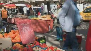 Des fraises sur un marché des Bouches-du-Rhône. (France 2)