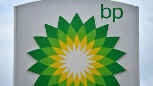 """Le logo """"BP"""".  (BEN STANSALL / AFP)"""