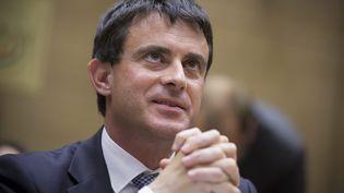 Le ministre de l'Intérieur Manuel Valls le 25 juillet 2012 lors de son audition devant la commission des lois du Sénat, à Paris. (XAVIER DE TORRES / MAXPPP)