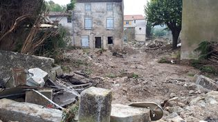 Le village de Villegailhenc, quatre jours après les inondations, le 19 octobre 2018. (VANESSA MARGUET / RADIOFRANCE)