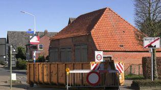 Tandis que la majorité des pays ont adopté des mesures de confinement strictes, les Pays-Bas ont quant à eux misé sur l'immunité collective. (France 2)