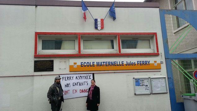 (Des parents d'élèves de l'école Jules-Ferry, mobilisés pour récupérer les locaux loués par Marie-Claude Pietragalla © DR)