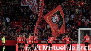Les joueurs du Stade Rennais célèbrent leur victoire face à Clermont 6-0, le 22 septembre. (SAMEER AL-DOUMY / AFP)