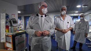 Le Premier ministre, Jean Castex, le 13 novembre 2020, lors d'une visite au CHU de Strasbourg (Bas-Rhin). (FREDERICK FLORIN / AFP)