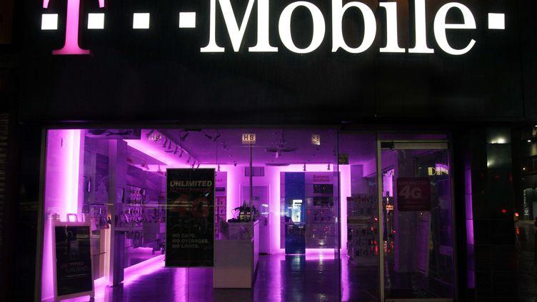 """Iliad a confirmé des """"rumeurs de presse"""" faisant état de sa volonté de racheter T-Mobile USA, le 31 juillet 2014. (MARK LENNIHAN/AP/SIPA / AP)"""