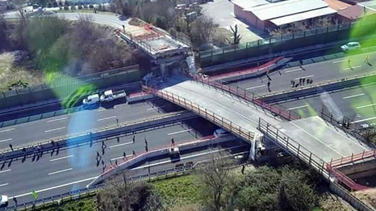 Un pont s'est effondré à Ancône (Italie), le 9 mars 2017. (HO / POLIZIA DI STATO)