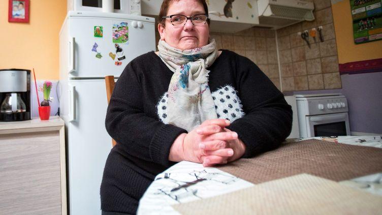 Dominique Cottrez, dans son nouveau domicile, près de Villers-au-Tertre (Nord), le 6 janvier 2015. (MAXPPP)