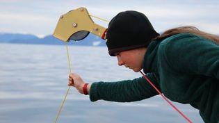 Léonie Brossier, 14 ans, mène des expéditions scientifiques l'été dans le Grand Nord du Canada, où elle vit sur le voilier Vagabond. (ERIC BROSSIER)