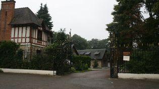 La propriété de Rifaat Al-Assad, à Bessancourt, dans le Val-d'Oise, le 13 septembre 2013. (FRANCETV INFO)