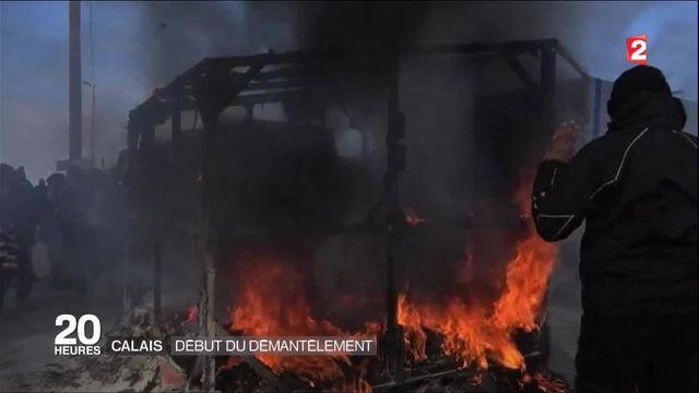 Migrants à Calais : des affrontements lors du démantèlement du camp
