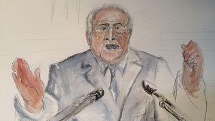 Dominique Strauss-Kahn devant le tribunal correctionnel de Lille (Nord), pour le procès de l'affaire dite du Carlton, le 11 février 2015. (ELISABETH DE POURQUERY / FRANCETV INFO)