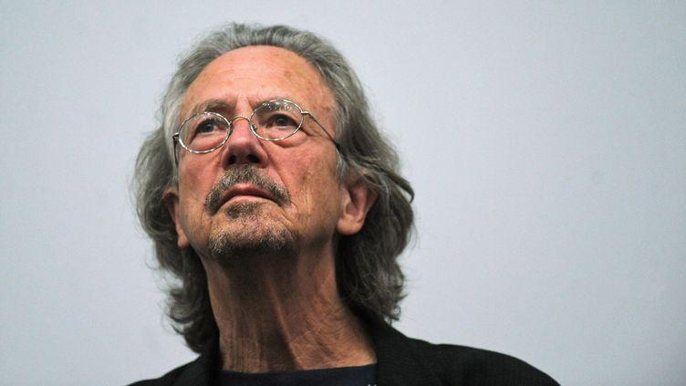 L'Autrichien Peter Handke lors d'un festival de cinéma à Lisbonne (Portugal), le 1 novembre 2009. (FRANCISCO LEONG / AFP)