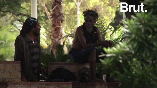 Alors que le référendum sur l'accession à la totale souveraineté des Kanaks en Nouvelle-Calédonie avait lieu ce dimanche 4 novembre, retour sur l'histoire de ce peuple mélanésien autochtone qui réclame son indépendance depuis des décennies.