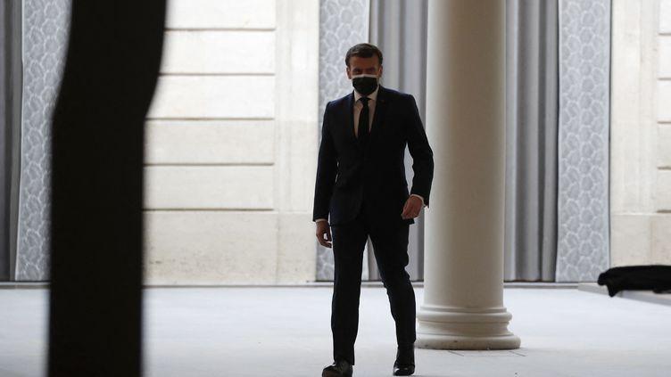 Emmanuel Macron à Paris le 16 février 2021 (FRANCOIS MORI / POOL)