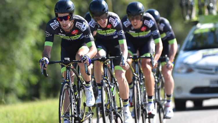 L'équipe Fortuneo Vital Concept d'Eduardo Sepulveda lors de la première étape du Tour de San Luis 2016.  (DE WAELE TIM / TDWSPORT SARL)