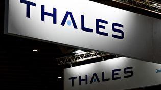 Le logo du groupe français Thales, au forum international de cybersécurité à Lille, le 7 septembre 2021. (DENIS CHARLET / AFP)