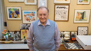 Le dessinateur Albert Uderzo (1927 - 2020), dans son bureau en janvier 2015. (MEIGNEUX / SIPA)