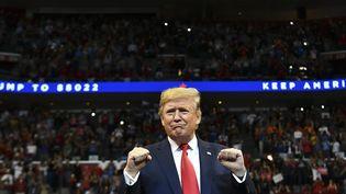 Donald Trump en meeting à Sunreise (Floride) le 26 novembre 2019. (MANDEL NGAN / AFP)