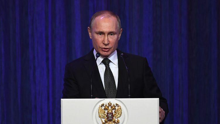 Vladimir Poutine lors d'un discours au Kremlin, le 22 février 2018, à Moscou. (YURI KADOBNOV / AFP)